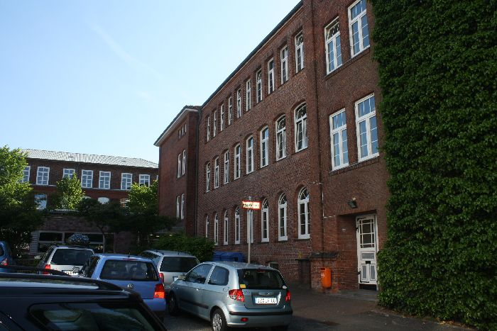 Schule Rückseite
